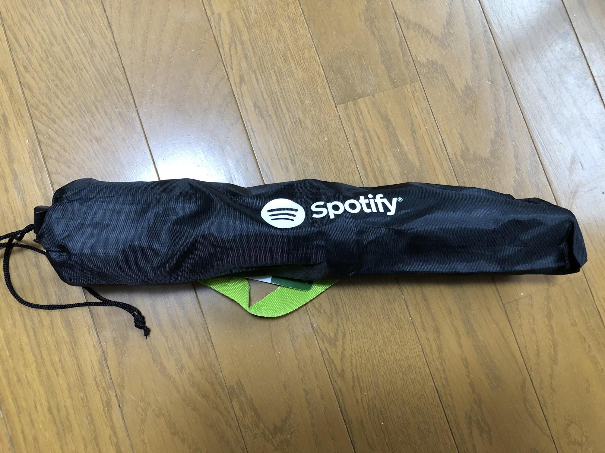 Spotify 三脚チェアー収納時