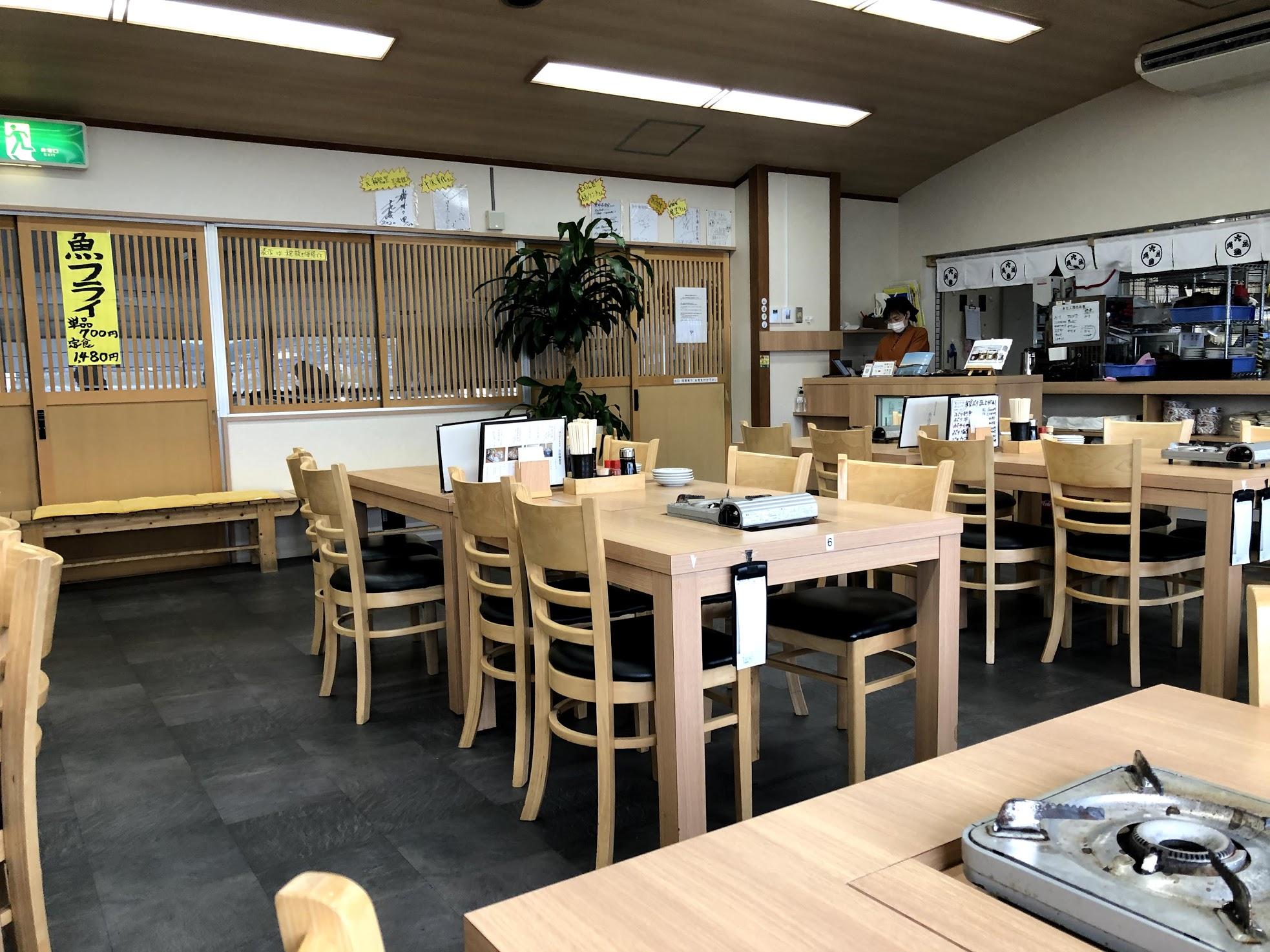 魚市場食堂 内観